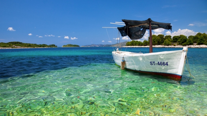 croatian-boat-scenery-wallpaper.preview