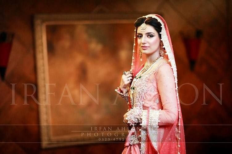 Irfan-Ahson-Pakistani-Wedding-Bridal-Outfit-133