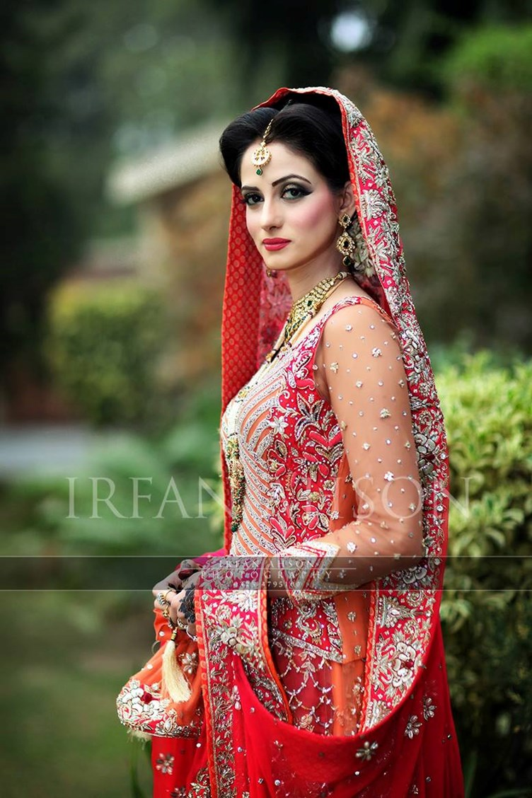 Pakistani-Wedding-Dresses-Irfan-Ahson-Photos-62